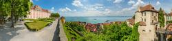 Blick auf Neues Schloss, die Burg und den Bodensee