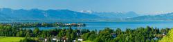Blick vom Hoyerberg auf Lindau und die Alpen